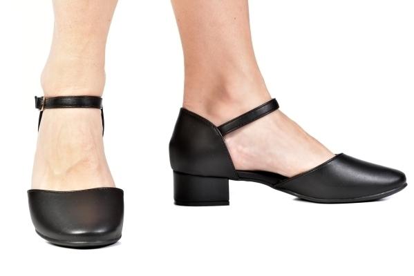 Sapato Boneca Aberto Saltinho Preto - Tamaños: 30 - 31